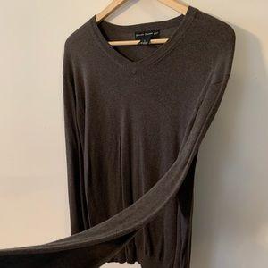Newton Trading Co. olive thin v neck sweater L